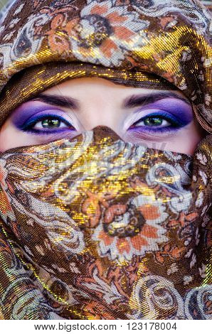 Eyes of the nice girl in a headscarf.