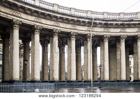 View klassicheskiy the colonnade of the Kazan Cathedral in Central St. Petersburg on Nevsky prospect