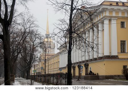 Views along the Admiralty building and Alexandrovsky garden on 8 March