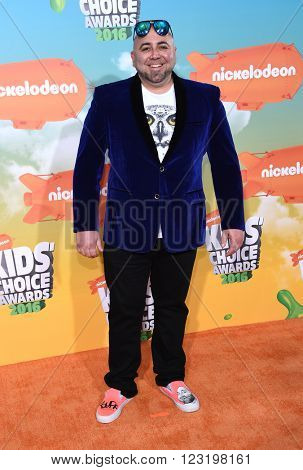 LOS ANGELES - MAR 12:  Duff Goldman arrives to the Nickeloden's Kid's Choice Awards 2016  on March 12, 2016 in Hollywood, CA.