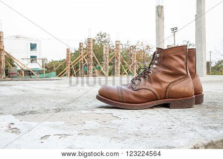 safety boots and Industrial boots for construction