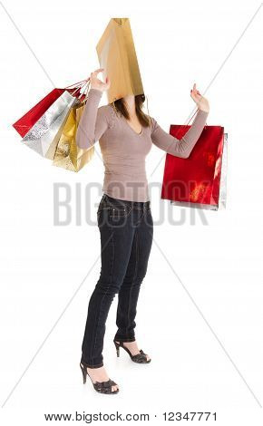 Menina compras de mascarados