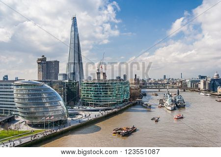 London, Uk - Circa March 2012: View Of Southwark, River Thames, City Hall And Shard Building In  Lon
