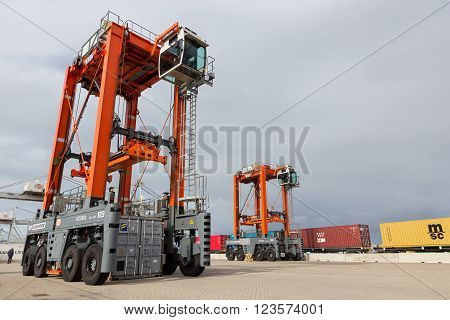 Straddle Carrier Container Port