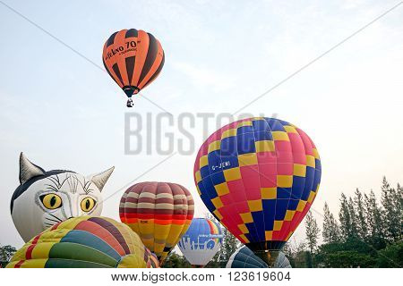 CHIANGMAI, THAILAND-March 4 : A hot air balloon flying from Thailand International Balloon Festival 2016, on March 4, 2016 in Chiangmai, Thailand