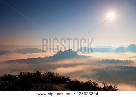 Fantastic Dreamy Sunrise Above Deep Valley Hidden The Rocky Mountains