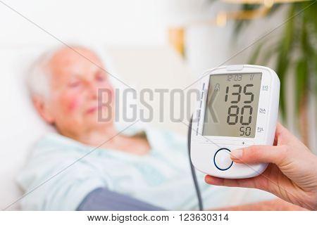 Digital Measurer - Normal Blood Pressure