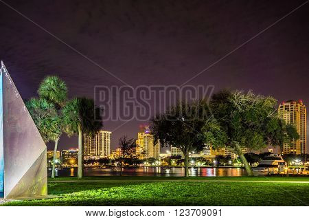 st petersburg florida night scenes from park