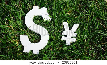 Exchange rate. The yuan and the dollar.