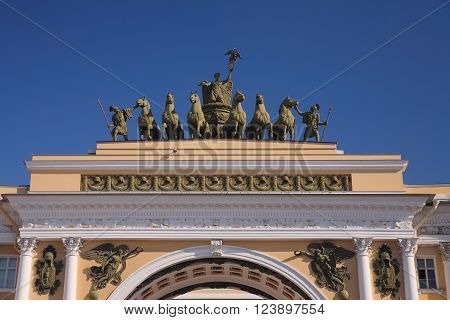 St. Petersburg Triumphal Arch at the Palace Square