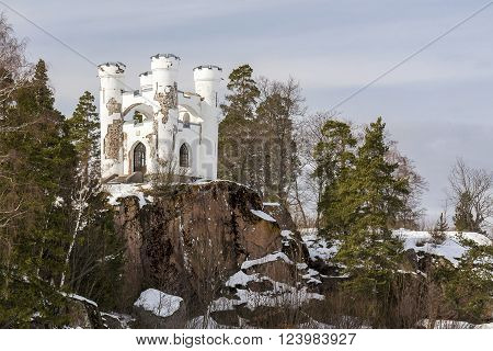 the old white castle in the Park Mon Repos