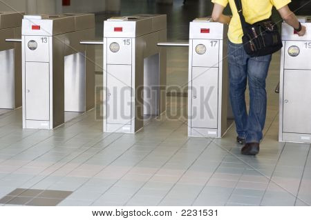 Train Ticket Verification Machine