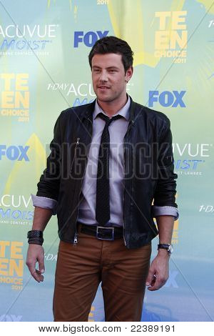 LOS ANGELES - AUG 7:  Cory Monteith arriving at the 2011 Teen Choice Awards at Gibson Amphitheatre on August 7, 2011 in Los Angeles, CA