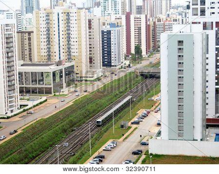 Train in Aguas Claras