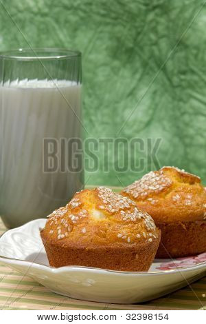 Muffins with green background