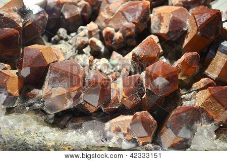 Quartz (tectosilicate)