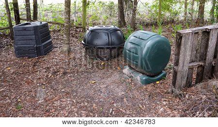 3 Composteros