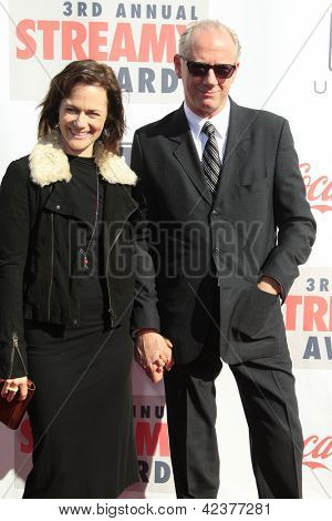 LOS ANGELES - FEB 17: Sarah Clarke, Xander Berkeley at the 3rd Annual Streamy Awards at the Hollywood Palladium on February 17, 2013 in Los Angeles, California