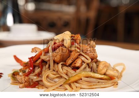 Noddles With Chicken