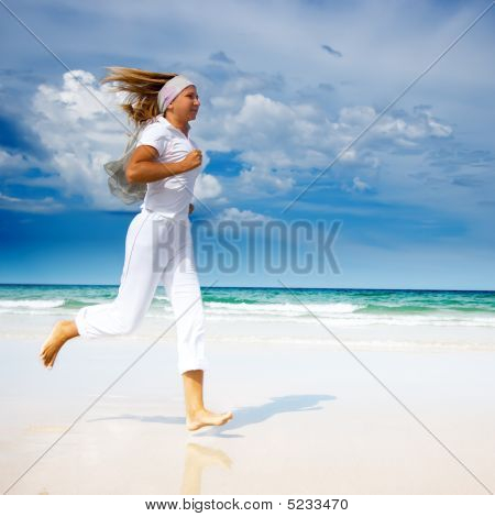 Running Woman. Beach