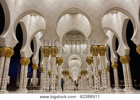 Interior of Shiekh Zayed Mosque, Abudhabi