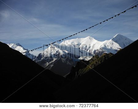 View Of The Ganggapurna Peak From 5000M In The Himalayan Annapurna Area