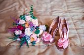 pic of dowry  - Wedding accessories for the morning of the bride in pink  - JPG