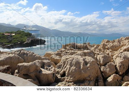 Rocks, mountains & seascape