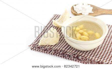 Luxury Dessert - Bowl Of  Bird Nest With Gingo