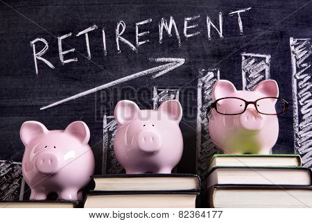 Piggy Banks With Retirement Savings Chart