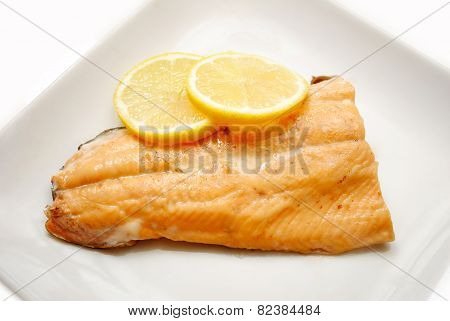 Fresh Cooked Salmon With Organic Lemon Slices