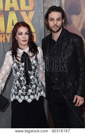 LOS ANGELES - MAY 07:  Priscilla Presley & Navarone Garibaldi arrives to the