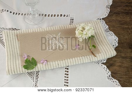 Details Decoration Saucers A Tablecloth Embroidered With Letter M