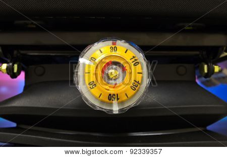Round Yellow Regulator Load Weight