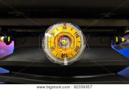 Round Yellow Regulator Load Weight