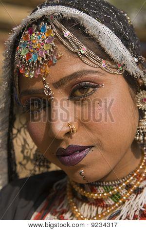 Porträt einer Stammes-Tänzerin