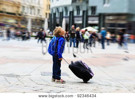 little tourist in Europe, kids travel
