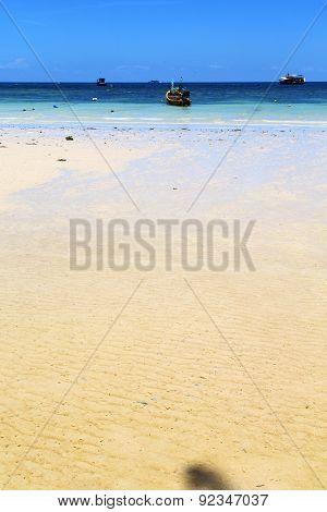Asia In The  Kho Tao Bay      Rocks House Boat   South China Sea