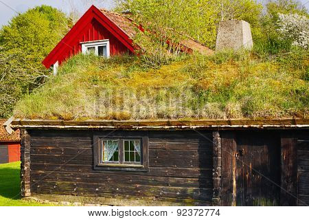 old thatched cottages, 16th century nostalgia from Sweden