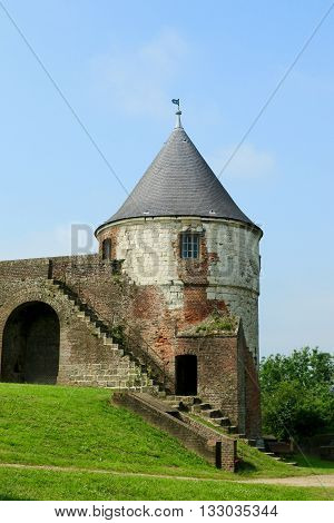 THE WHITE TOWER IN THE CITADEL OF MONTREUIL ON SEA, PAS DE CALAIS, THE NORTH OF FRANCE