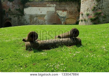 ARTILLERY  IN THE ENTRANCE OF THE CITADEL OF MONTREUIL ON SEA, PAS DE CALAIS, THE NORTH OF FRANCE