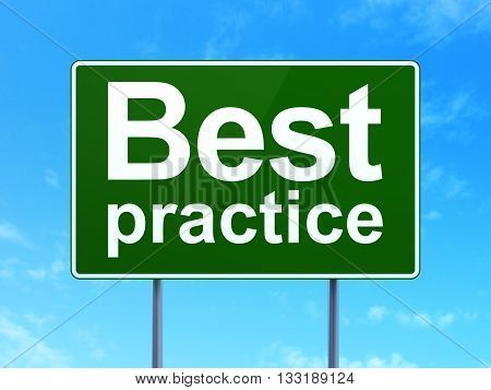 Learning concept: Best Practice on green road highway sign, clear blue sky background, 3D rendering
