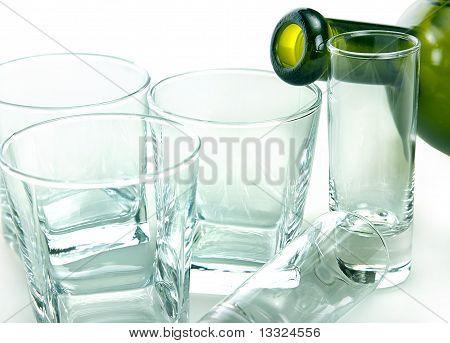 Bodegón de objetos de vidrio