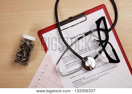 Medical report and cardiogram