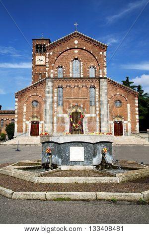 In  The Legnano   Old   Church  Closed Brick Tower Sidewalk Italy     Fountain