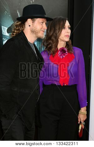 LOS ANGELES - JUN 7:  Renn Hawkey, Vera Farmiga at the 2016 Los Angeles Film Festival - The Conjuring 2 Premiere at TCL Chinese Theater IMAX on June 7, 2016 in Los Angeles, CA