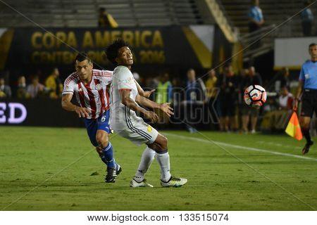 Miguel Samudio Dribbling Juan Cuadrado