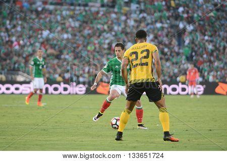 Mccleary And Chicharito During Copa America Centenario