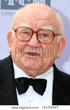LOS ANGELES - JUN 9:  Ed Asner at the American Film Institute 44th Life Achievement Award Gala Tribute to John Williams at the Dolby Theater on June 9, 2016 in Los Angeles, CA