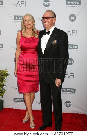 LOS ANGELES - JUN 9:  Parky Fonda, Peter Fonda at the American Film Institute 44th Life Achievement Award Gala Tribute to John Williams at the Dolby Theater on June 9, 2016 in Los Angeles, CA